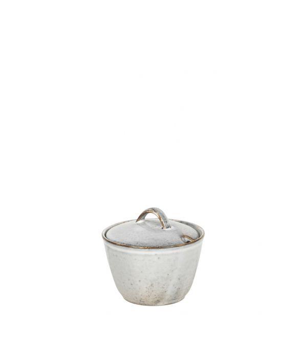 Broste Copenhagen Nordic Sand Zuckerdose Zuckerschale - mit Deckel. Kaffeeservice, Teeservice in Sand-Farben bzw Natur-Beige-Grau. Service aus Steingut. Skandinavisches Keramik Geschirr bei nicenordic.de