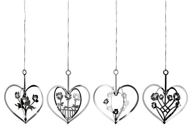 Jette Frölich Silberherzen mit Blumen 4er-Set. Herz in Silber. Skandinavische Weihnachtsdeko für Weihnachtsbaum und als Fensterdeko sowie Tischdeko. Weihnachtsschmuck bei nicenordic.de