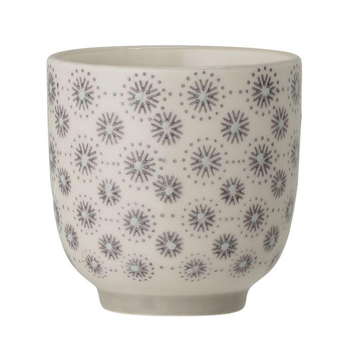 Bloomingville Elsa Becher klein 180 ml. Kleine Tasse ohne Henkel. Farbe Grau. Material Steingut Keramik. Skandinavisches Geschirr bei nicenordic.de