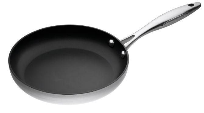 Scanpan CTX Bratpfanne 26 cm. Ofenfeste Pfanne mit Stratanium Beschichtung PFOA-frei. Für Hobby- und Profiköche. Pfannen, Töpfe und Kochgeschirr bei nicenordic.de