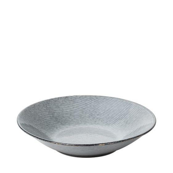 Broste Nordic Sea tiefer Teller Suppenteller Pastateller 22,5 cm blau grau. Keramik - Steingut. Speiseservice. Skandinavisches Geschirr für den gedeckten Tisch bei nicenordic.de