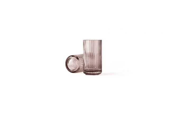 Lyngby Porcelæn Lyngby Vase Glas Burgundy Rosa 15 cm. Die ikonische Vase von Lyngby Porzellan. Designklassiker und skandinavisches Design bei nicenordic.de