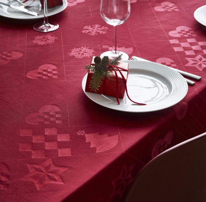 Juna Natale Weihnachts-Tischdecke Damast Rot 150x220 cm_nicenordic_1