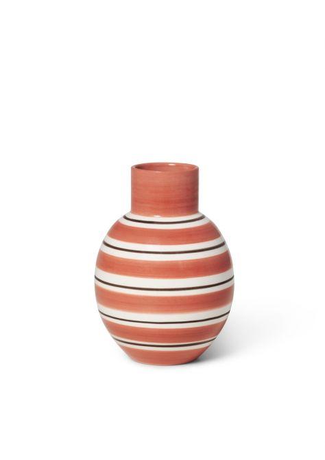 Kähler Omaggio Nuovo Vase terrakotta Höhe 14,5 cm. Blumenvase in Keramik. Keramikvase aus Fayence. Retro-Look. Skandinavisches Design, Deko und Wohnaccessoires bei nicenordic.de