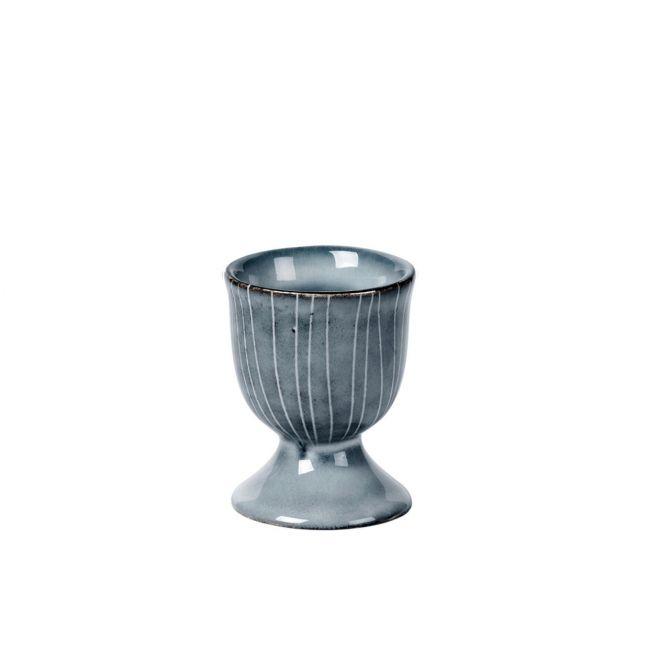 Broste Copenhagen Nordic Sea Eierbecher blau grau. Keramik Steingut. Skandinavisches Geschirr bei nicenordic.de