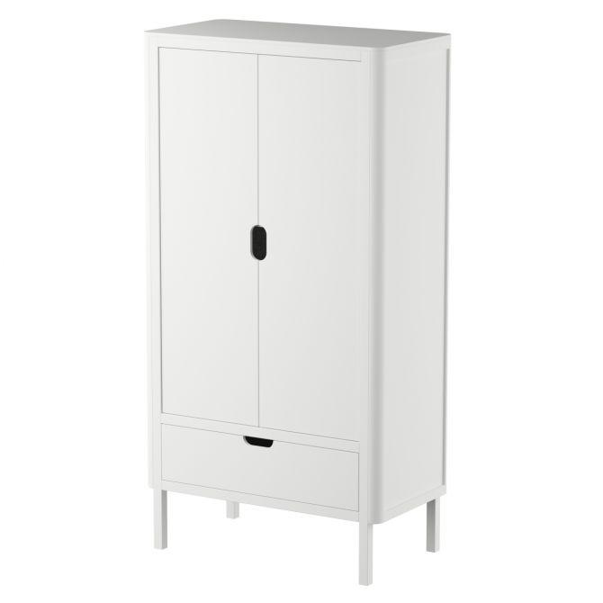 Sebra Kleiderschrank 2-türig Weiss Kinderkleiderschrank mit zwei Türen, zwei-türig. Kindermöbel bei nicenordic.de