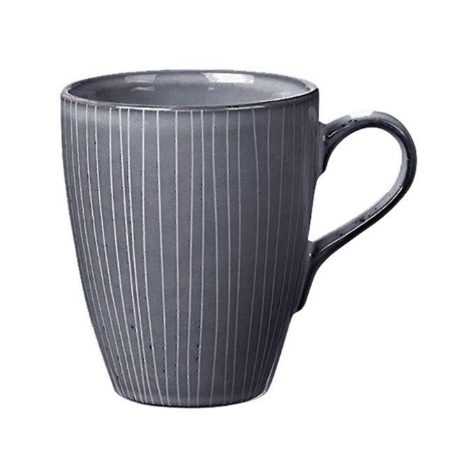 Broste Copenhagen Nordic Sea Tasse Mega blau grau. Großer Becher mit Henkel. Keramik - Steingut. Skandinavisches Geschirr für den gedeckten Tisch bei nicenordic.de