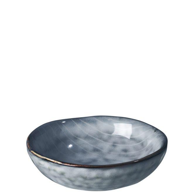 Broste Nordic Sea Butterschale, Schale rund, blau grau. Keramik - Steingut. Servier-Schälchen, Servierservice. Skandinavisches Geschirr für den gedeckten Tisch bei nicenordic.de